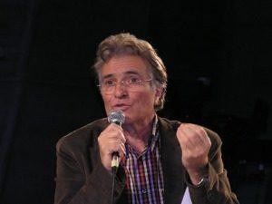 Philippe Desbrosses L'homme qui anime la Terre dénonce – Quantique Planète 2012