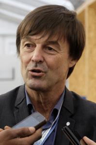 Mobilisation contre les nouveaux OGM – Remise d'une pétition de plus de 110 000 signatures à Nicolas Hulot ce 28 sept. 2017
